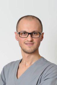 pawel-zawadzki-stomatolog-krakow-